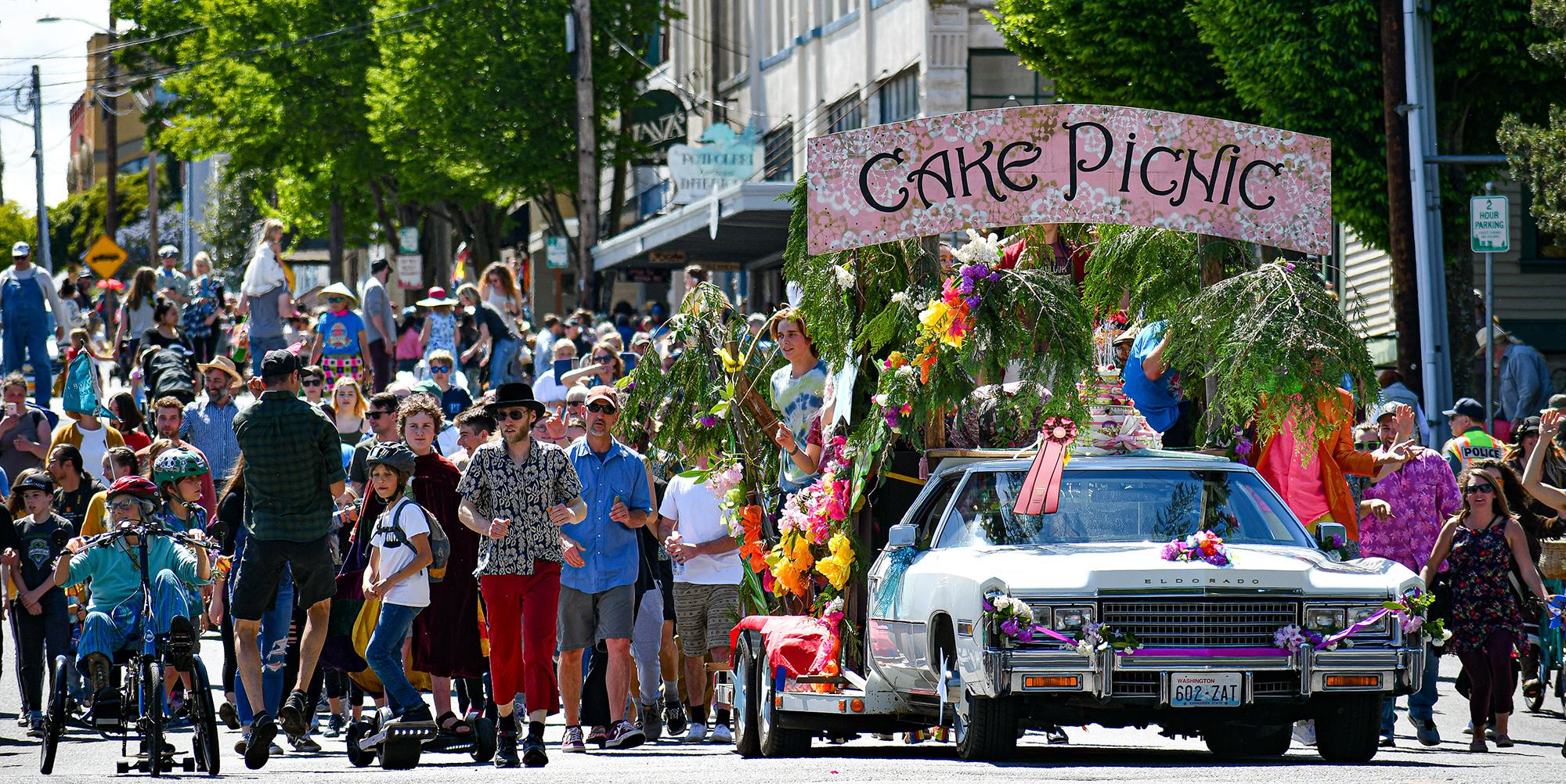 Caddy parade float